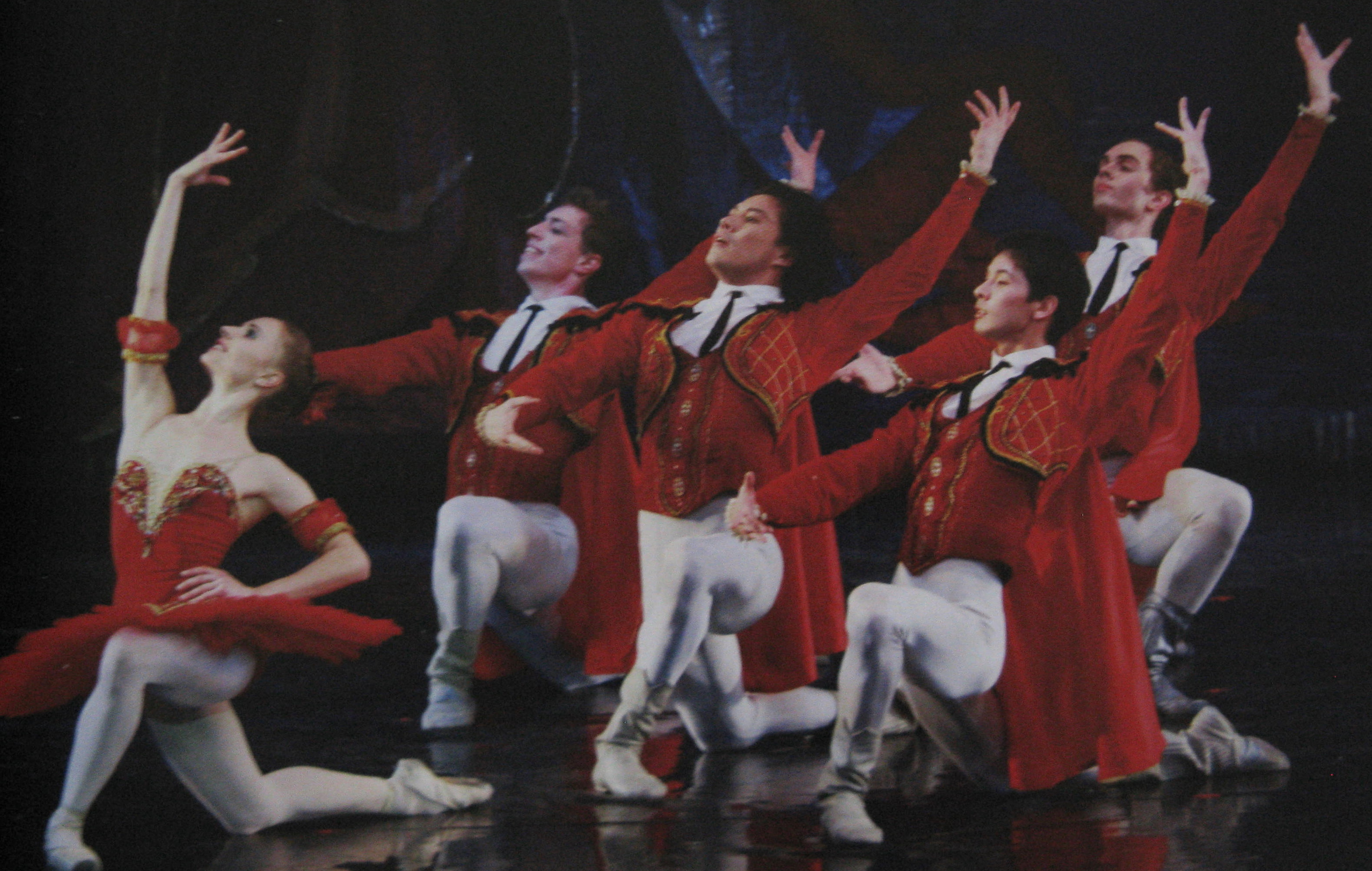 the male corps de ballet