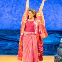 Review – Shirley Valentine, Royal and Derngate, Northampton, 2nd October 2017